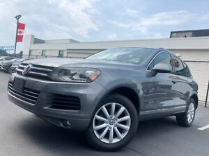 2014 Volkswagen Touareg 3.0 TDI Execline | DUAL SUNROOF | HEATED