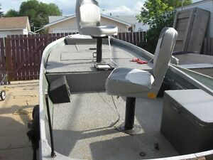 14 ft ALLUMINUM HARBERCRAFT BOAT AND TRAILER---NO MOTOR