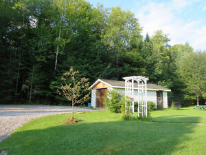 Bungalow, All Brick, 3400 sf. of Finished Living Area, 5.4 Acres Kitchener / Waterloo Kitchener Area image 3