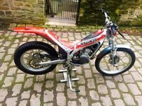 Dougie Lampkin 99 edition Beta Techno 250cc Trials Bike (NOT Sherco gas gas, ktm enduro )