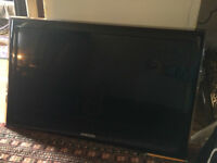 QUICK SALE: TV/Monitor