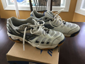 Mizuno Wave Rally volleyball court shoes
