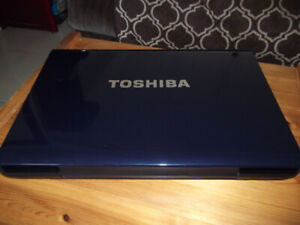 """17"""" TOSHIBA LAPTOP WORKS WELL"""
