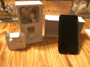 iPhone 7 (32 gb) in mint condition