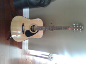 Yamaha accoustic GUITAR for sale