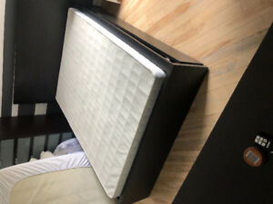 Sommier (boxspring) Serta seulement 60$ !!