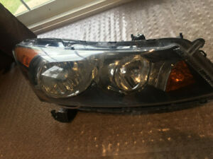 2008, 09, 10, 11, 2012 Honda Accord Passenger Side Headlight