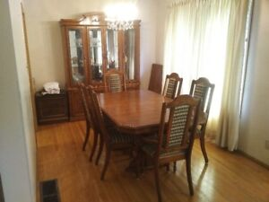 Dining room set (table, 6 chairs, sideboard and hutch)