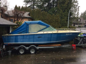 24' Sea Ray Boat