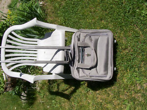 Delsey Roller bag, Garment bag and briefcase London Ontario image 7