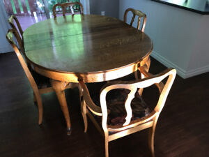 Antique Dining Table and Chairs - FREE pickup ASAP
