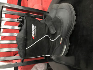 Baffin boys winter boots size 5