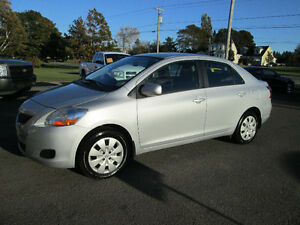 2010 Toyota Yaris LE Sedan LOW KM / LOADED / TRADE WELCOME