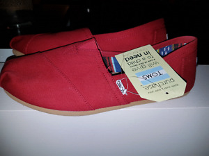 TOMS womens size 10 $30