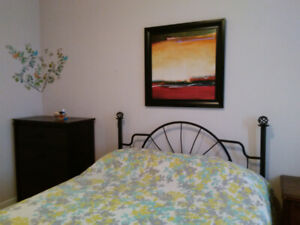 Fully furnished bedroom for rent for muslim woman