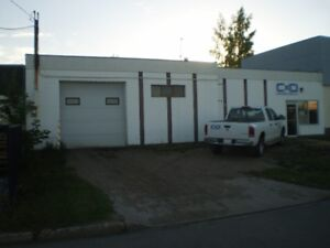 Southside Argyll Area / Warehouse (2500sq.ft.)