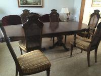 Skylar Peppler Dining Room Set from Penthouse.