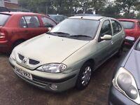 02 plate Renault megane 5 door green mot 09/12/17