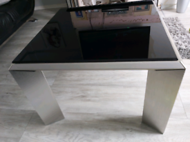 Table chrome & black top glass ( almost New )