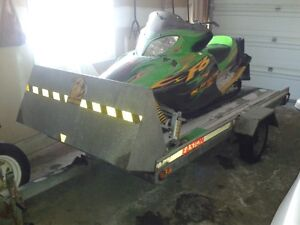 For sale Arcticcat 2004 for sale with single tilt trailer