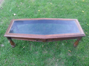 Solid wood and glass coffee table. Sturdy. Kitchener / Waterloo Kitchener Area image 1
