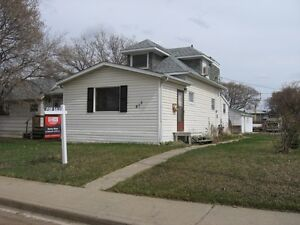 815 6th Ave. N.E., Moose Jaw