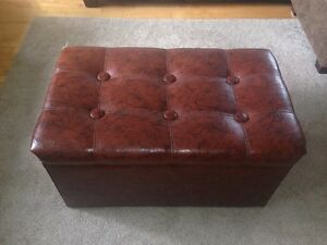 Ottoman with compartment