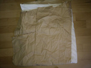 11 pillowcases, bed skirts (twin, double) $2 ea, twin duvet $10 Kitchener / Waterloo Kitchener Area image 7