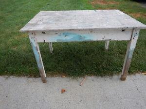 Table antique