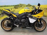 Yamaha YZF-R1 2014** 1 Owner, Full Service History 2 Black Keys, 1 Red Key**