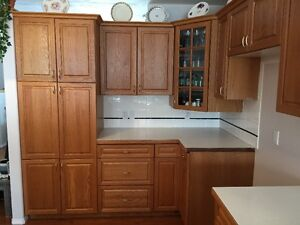 Shelves great deals on home renovation materials in for Kitchen cabinets kijiji