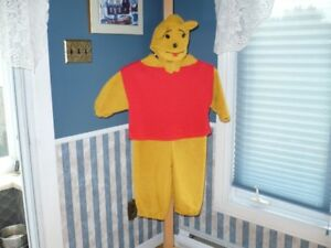 A VENDRE:  COSTUME D'HALLOWEEN: WINNIE THE POOH 4-5 ANS