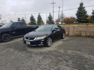 2014 accord v6  6 speed MANUAL loaded only 68,000 kms!!!