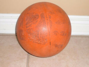 Red basketball - Excellent condition