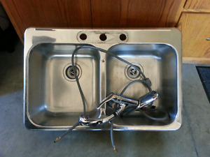 Stainless Steel sink with Moen Facuet