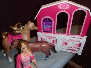 Barbie stable, horses and barbie