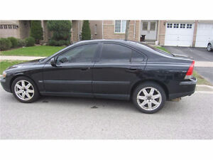 2004 Volvo S60 2.5 turbo AWD Black-on-Black mécanique excellente