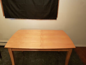 Good used condition dining table for sale!