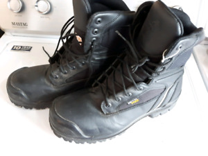 Mens size 10 black leather steel toe boots