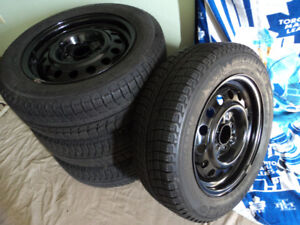 Selling snow tires, Nissan Sentra Versa 195/65R15 Michelin X-ice