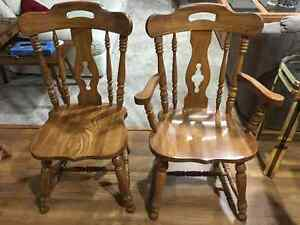 6 SOLID OAK DINING CHAIRS Kitchener / Waterloo Kitchener Area image 1