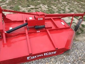 Like new Farm king 7 foot 3point rotary mower.