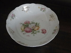 Vintage Pottery Serving Dish/Bowl with Floral Pattern