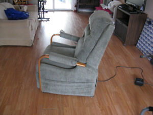 POWERED RECLINER
