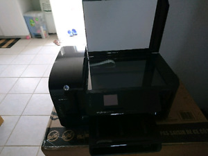 Imprimante  HP officejet 6500A plus  4en 1 (négociable)
