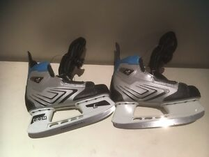 Newer skates - kids size 3 - with easy tighten feature