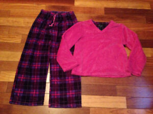 Ladies Fleece pajamas Size Medium