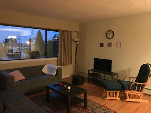 Beautiful Bedroom with amazing roommate all furnished! North Shore Greater Vancouver Area image 1