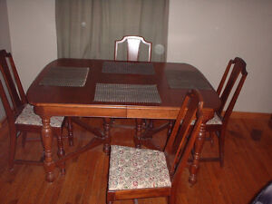 ANTIQUE DINING TABLE HUTCH SIDEBOARD London Ontario image 3
