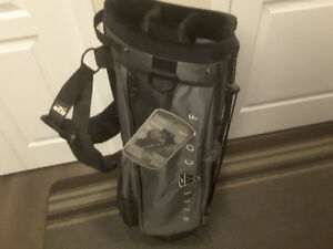 NEW WITH TAGS NIKE CARRY STAND GOLF BAG